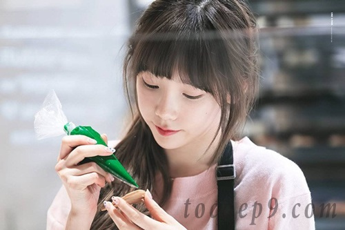 Top 10 beautiful bangs in summer 2020 suitable for round faces with high forehead